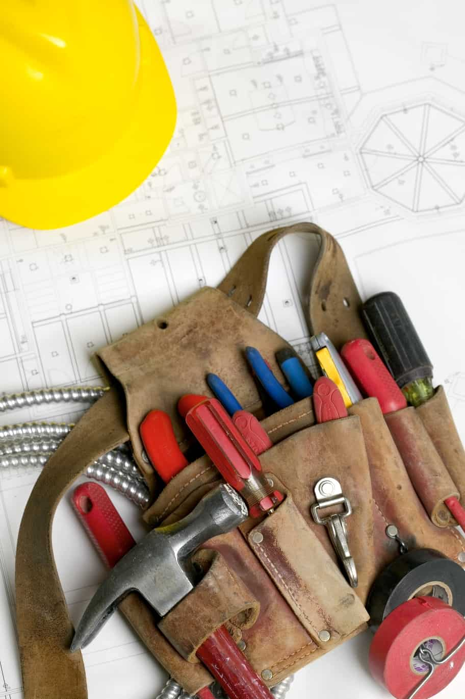 Hiring electrical contractor